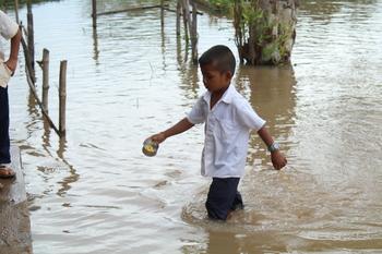 PR flood boy IMG_1080.JPG
