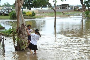 PR flood girls IMG_1078.JPG